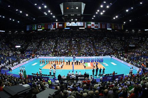 Mondiali di pallavolo maschile italia iran in corso al for Assago beach forum